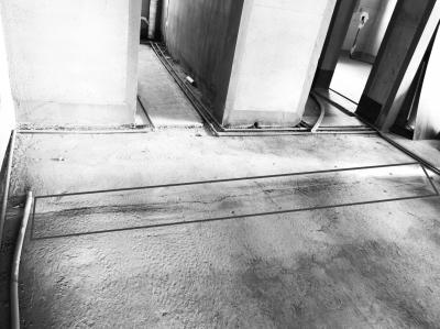 郑州华瑞紫韵城丽园 新房客厅有裂缝报修一年无回应